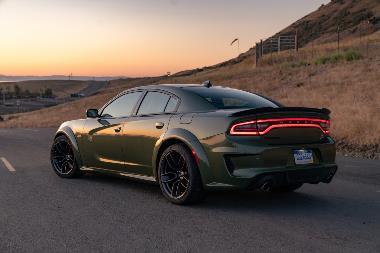 2020 Dodge Charger_rear_left